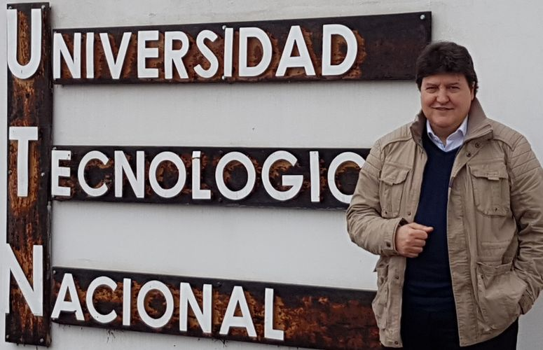 "Towards entry ""Prof. Boccaccini visits educational establishments in his home town in Argentina"""