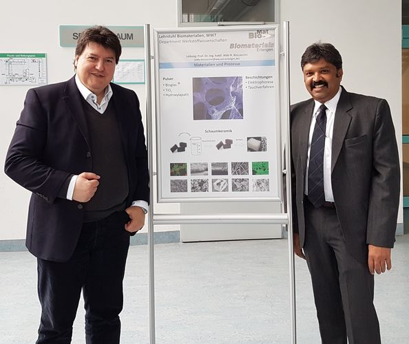 "Towards entry ""Visit from USA: Prof. M. N. V. Ravi Kumar at the Institute of Biomaterials"""