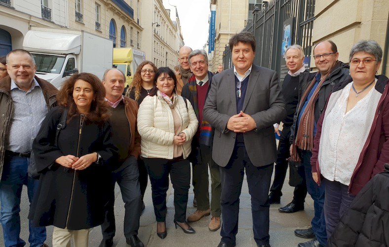 "Towards entry ""Prof. Boccaccini attends FEMS Executive Committee meeting in Paris"""